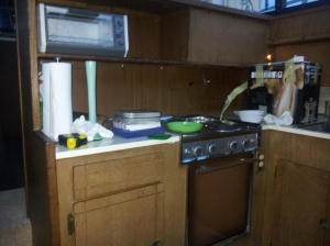 The kitchen from the other angle.